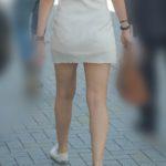 【街撮り】セレブ感あふれる美女のマイクロミニワンピ