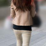 プリな小尻を揺らして歩く美人OLがエロ過ぎてたまらない