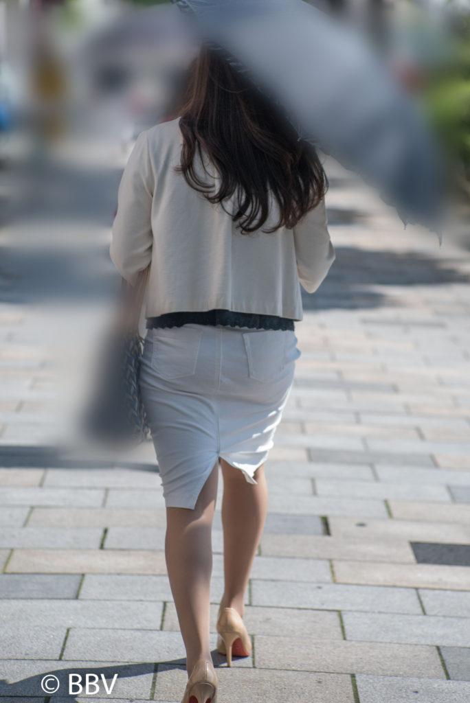 熟女 街撮り スカート