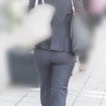 熟女のデカ尻を満喫できるタイトなパンツスーツのパンティーライン!