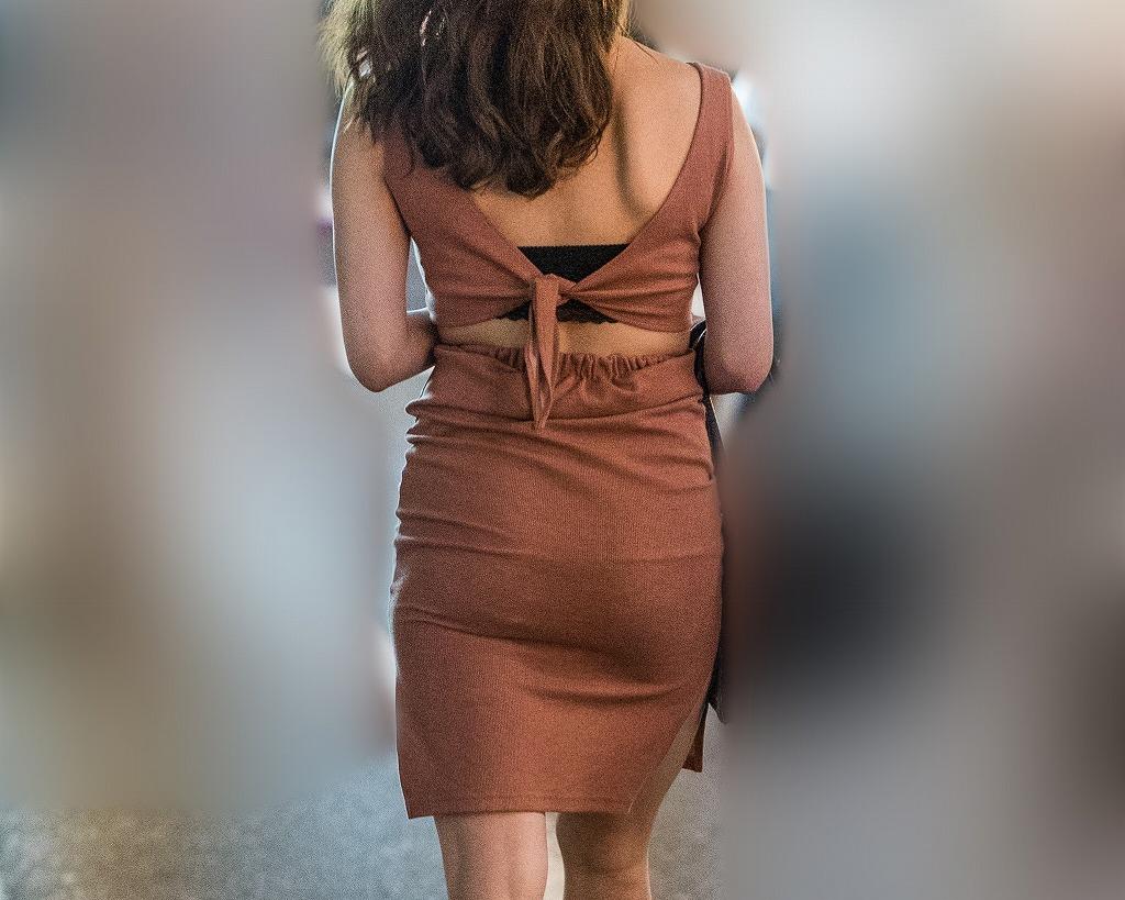 極上ギャルのミニドレス!プリプリの豊満美尻がたまりません!