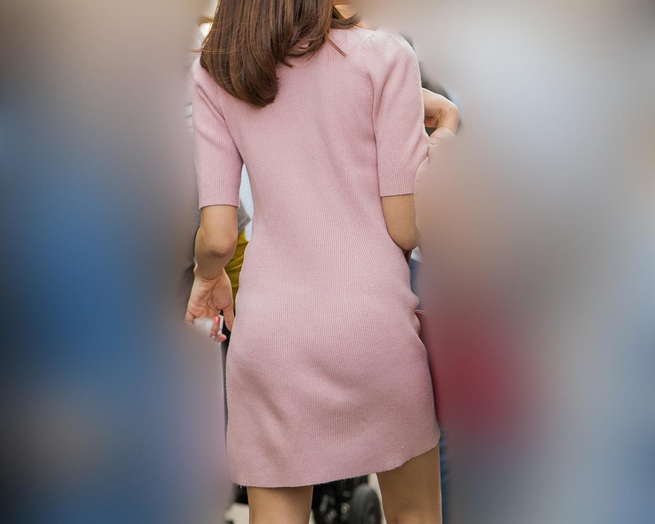 ピンクのニットミニワンピ!がキュートでエロいスレンダーギャル!