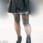 冬のお楽しみといえば黒スト美脚!ミニスカートから伸びるエロい脚がステキ!